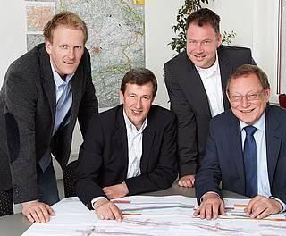 Geschäftsführung mit v.l. Jürgen Knaus, Helmut Fuchs, Andreas Weber und Johann Vogl